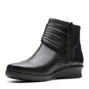 NEW Clarks Collection Hope Twirl Leather Booties